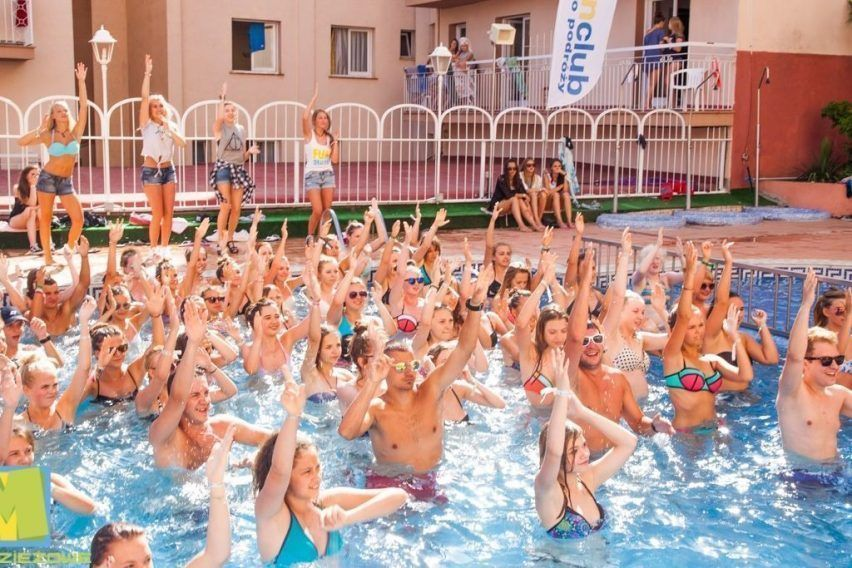 funclub obozy mlodziezowe hawaii hotel lloret hiszpania lloret de mar zolta strzala (10)