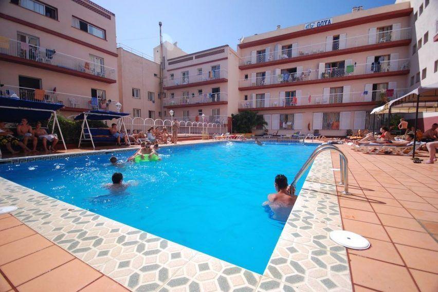 hiszpania hotel goya lloret de mar funclub obozy mlodziezowe zolta strzala (11)