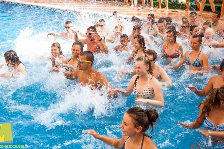 hiszpania hotel goya lloret de mar funclub obozy mlodziezowe zolta strzala paryz francja disneyland (2)