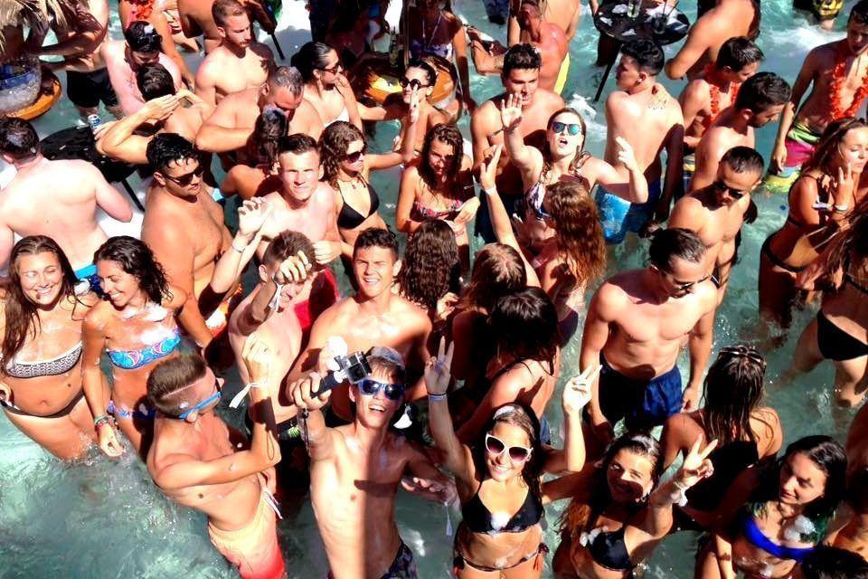 villa lazi hotel czarnogora budva funclub obozy mlodziezowe (14)