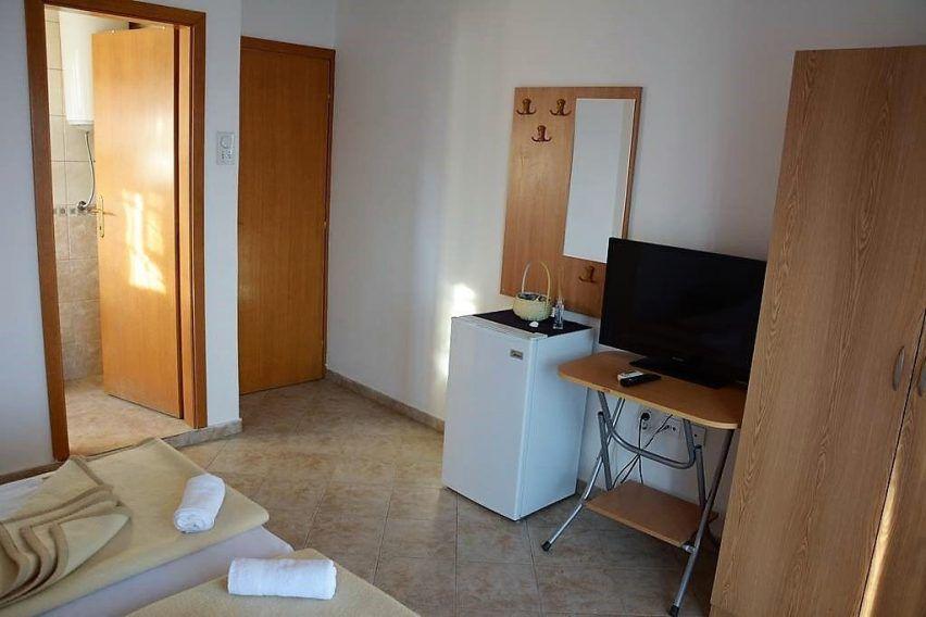 villa lazi hotel czarnogora budva funclub obozy mlodziezowe (5)