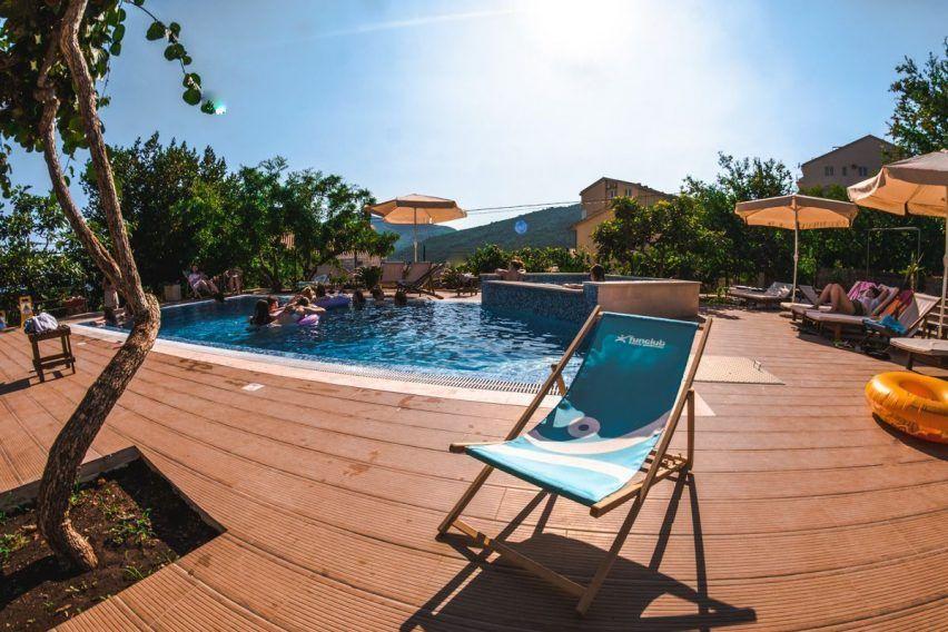 villa lazi hotel czarnogora budva funclub obozy mlodziezowe (7)