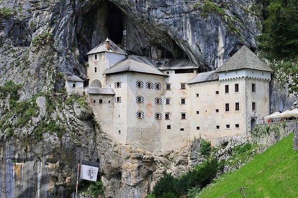 Jaskini Postojna , Predjama i Piran